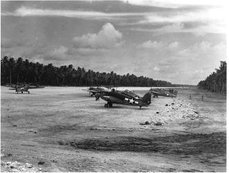800px-Nanumea_Airfield_1943